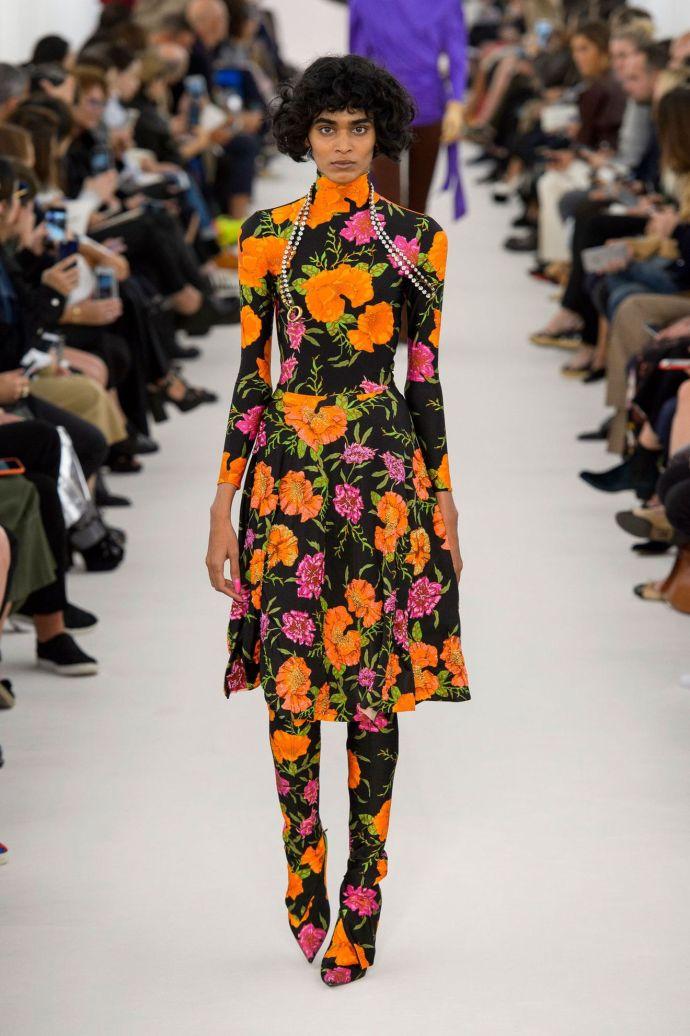 tendance-mode-ete-2017-fleurs-balenciaga.jpg